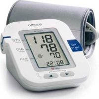 large_L_omron_m6comfort_blood_pressure_monitor_1
